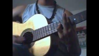 o cara manja no violão