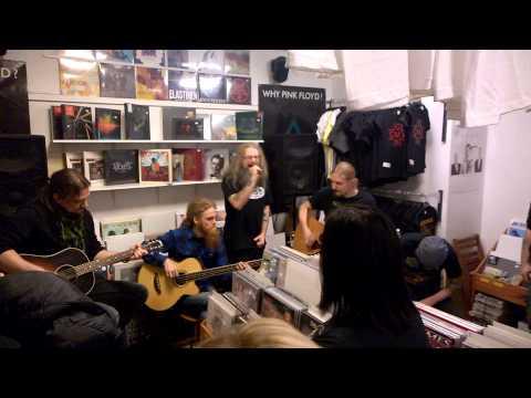 mokoma-sinne-missa-aamu-sarastaa-live-levykauppa-x-finland-622015-headbanger98tv