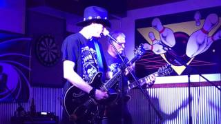 UNDERCOVER - Counting Flowers on the Wall - Cannonball Lanes, Wabash, IN. 3-18-17