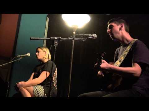 tigers-jaw-never-saw-it-coming-acoustic-feet-first-productions-1449021497