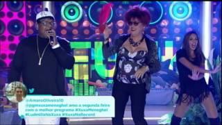 MC Marcinho canta sucesso Glamurosa