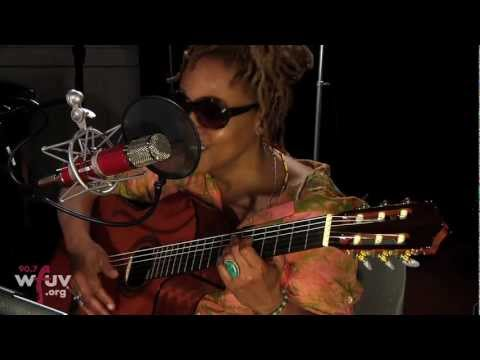cassandra-wilson-red-guitar-live-at-wfuv-wfuv-public-radio