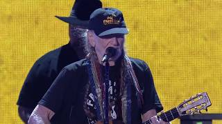 Willie Nelson & Family - Beer for My Horses (Live at Farm Aid 2017)