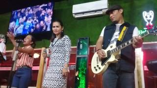Boru simanjuntak live in champion cafe & streo band . Lupa do ho