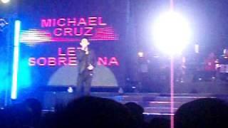michael cruz & led soprena in vice gandas concert in araneta.AVI