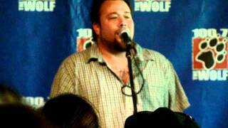 Uncle Kracker singing Bartender