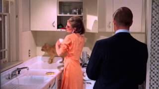 Breakfast at Tiffany's - Paul and Holly Kiss and Make Up (11) - Audrey Hepburn