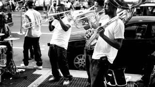 Hypnotic brass ensemble - Toussaint