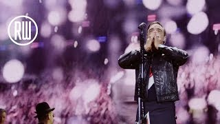 Robbie Williams | I'm Gonna Be (500 Miles) live in Edinburgh