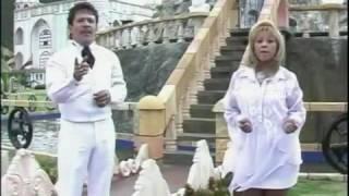 Betty y Fiorell   El Abejon ..cupertino cardenas