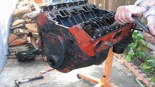 How to disassemble a smalll block Chevy V8 Part 1