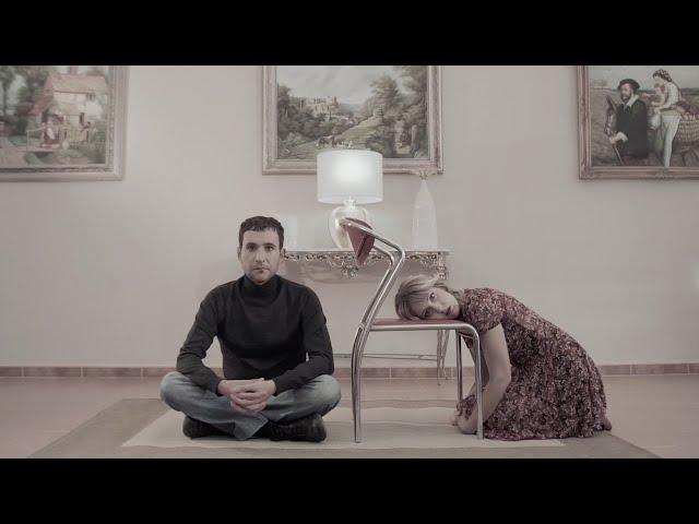 """Videoclip oficial del single """"Efecto bidireccional"""" que presentó Koel como tema principal del álbum """"Superforma"""". La banda de música indie en español publicó el LP en 2016."""