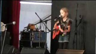 Zoe sings 'Time Of Your Life' at Woodford Festival, 31 Dec 2009, for Mr Percival