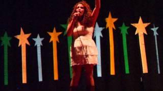 CHUVA DE ESTRELAS - Melanie SOUSA