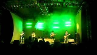Los Norteños De Ojinaga - Cuanto Me Cuesta (Live)