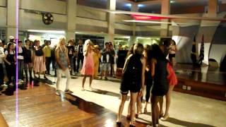 As branquelas - Cena: Guerra de dança