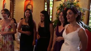 """Esposa canta """"Te voy a amar"""" (Axel) en la boda"""