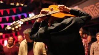 Solo de guitarra con dificultad añadida...