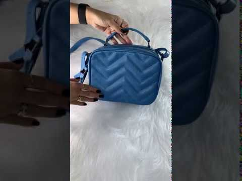 SANTORINI Bolsa quadradinha básica couro legítimo azul jeans