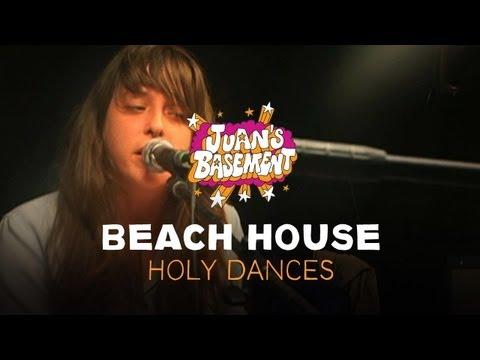 beach-house-holy-dances-juans-basement-pitchforktv