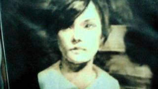 Alessa Gillespie creepy looping song