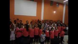 crianças na primicia  canta; geraçao  de samuel