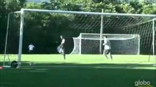 Ronaldinho trick shot