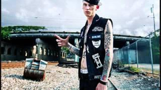 Machine Gun Kelly- Big Bass (New August 2011 Rap)