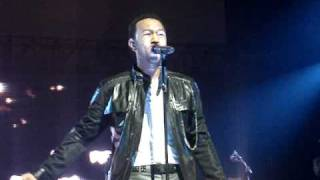 John Legend - She Don't Have To Know LIVE