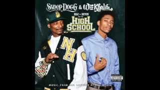 Snoop Dogg & Wiz Khalifa - Young, Wild and Free feat Bruno Mars (lyrics)