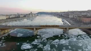 Zajlik a Dunán a jég