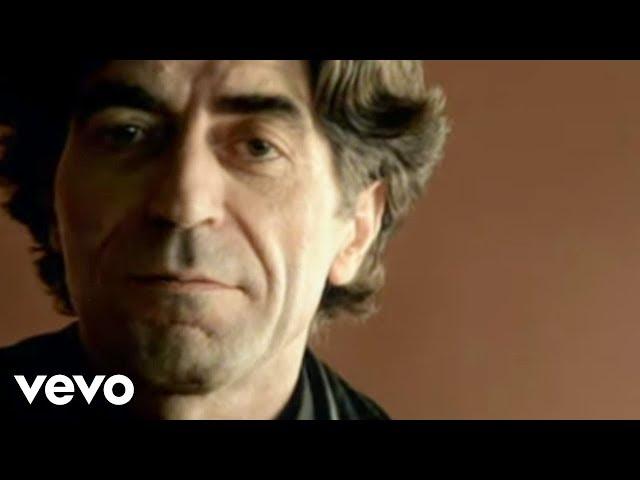 """Video oficial de """"19 días y 500 noches"""" de Joaquín Sabina"""
