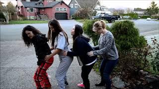 Ensinando Gringos a Dançar Funk