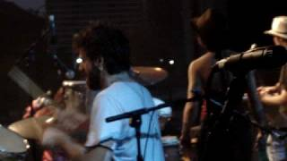 Nando Reis canta Os Cegos do Castelo no Guaru