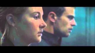 Divergent Tris & Four Holding Hands