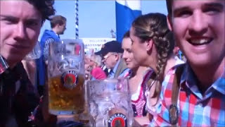 Australier grüßen Australien vom Oktoberfest 2014 (Video: Gerd Bruckner)