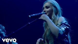 Sabrina Carpenter - First Love (Live on the Honda Stage at the Hammerstein Ballroom)