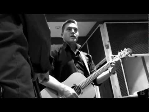 akos-negyven-2008-official-video-akoxvid