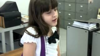 Cena do Carrossel - prof º Helena aconselha Maria joaquina (Juliana e Giovanna)