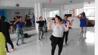 Coreografía Academia De Movimiento Latino