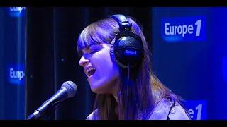 """Clara Luciani interprète """"La grenade"""" en live dans Bonjour la France"""