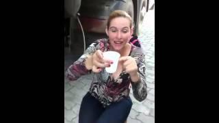Mulher que bebe mais pinga no mundo