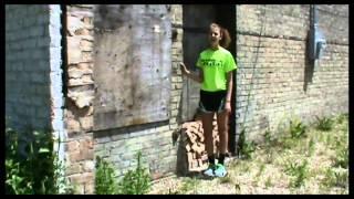 """""""Quédate Con Ella"""" por Natalia Jiménez: Music Video"""