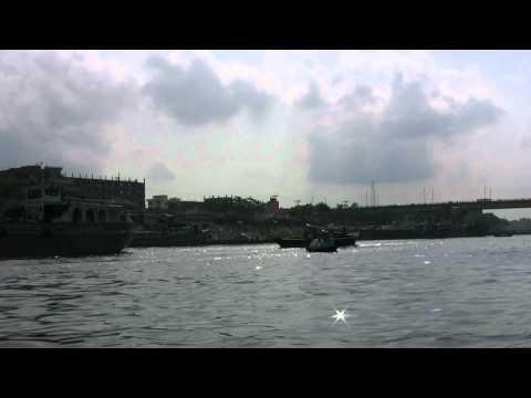 アキーラさんクルーズ!バングラデッシュ・ダッカの川2!Dahka,Bangladesh