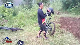 Extrime crass mtb gunung ungaran cover klip intro the rain & endang sukamti