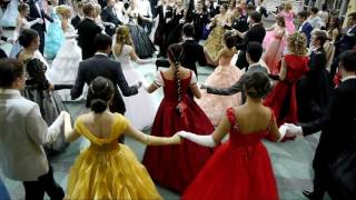 МЕГА танец.400 человек танцуют Сиртаки на Пушкинском балу 2016.