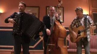 Accordion: Anders Larsson performs Smiles - by Lee Roberts