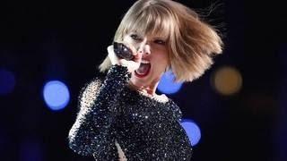 Grammy Awards 2016 - Taylor Swift Breath Taking Performance At Grammy Awards 2016