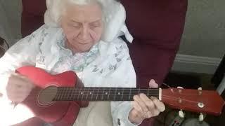 EA451 ukuleLee width=