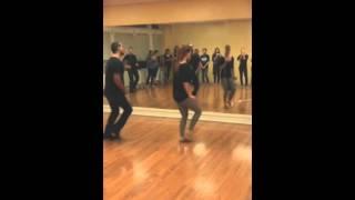 Salsa y control footwork challenge